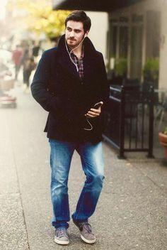 Colin O'Donoghue. Just Colin O'Freaking-Donoghue takin a stroll.