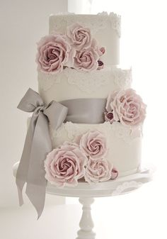 Cotton & Crumbs specialise in creating beautiful bespoke award winning wedding cakes for the West Midlands and throughout the UK. (Wedding Cake Rustic)