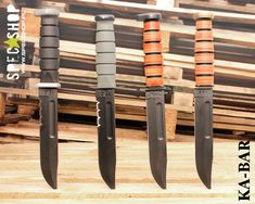 Kabar 1217 and related models with different blade finishes and handle materials. Original knife was used as a standard one by USMC. Classic utility Ka-Bar knife has ox skin handle while modern tactical are made of Kraton G polymer. Tactical Survival, Tactical Knives, Survival Knife, Tactical Gear, Ka Bar Knives, Knives And Tools, Military Knives, Combat Knives, Camillus Knives