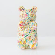 Pop Art gummi bear sculpture made out of resin and pastel colored sprinkles. Great kids room shelf decor, pop art sculpture, candy inspired art. Kids Room Shelves, Pastel Home Decor, Pastel Candy, Candy Sprinkles, Pastel House, Baby Girl Nursery Decor, Cute Bears, Gummy Bears, Lovers Art