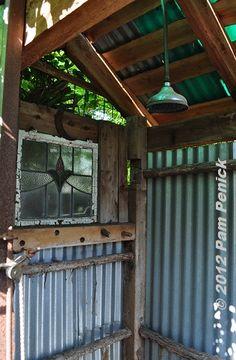 Outdoor Shower   http://www.penick.net/digging/images/2012_04_08/Outdoor_shower_interior.JPG
