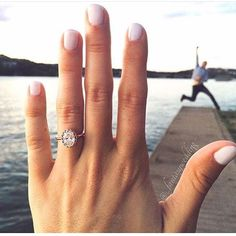 How's this for an engagement announcement? Absolutely in love with this adorable photo! Tag your girls and love!