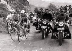1964, 12 juillet, tour de France,  Jacques Anquetil,  Raymond Poulidor au coude à coude