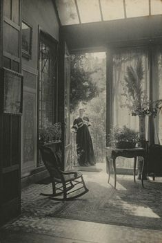 Marcel Vanderkindere's image of a summer lounge in Belgium in history A Look Inside Victorian Homes in the Antique Photos, Vintage Pictures, Vintage Photographs, Old Pictures, Vintage Images, Old Photos, Victorian Pictures, Rare Photos, Vintage Abbildungen