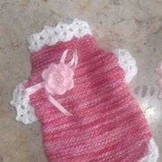 Para você que sabe e gosta de fazer crochê/tricô, aqui vai algumas dicas de roupas para os pets.                           ...