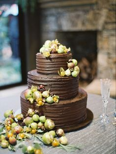 Chocolate fig cake: http://www.stylemepretty.com/2015/04/29/rustic-chic-old-edwards-inn-wedding/ | Photography: Landon Jacob - http://landonjacob.com/