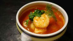 Eine rustikale Fischsuppe auf Tomatenbasis. Das ✓schmeckt ✓gesund und hält ✓satt ohne zu belasten. Das perfekte Paleo Essen. Variation ohne Ende.