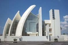 Richard Meier's Suburban Jubilee Church