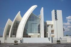 Richard Meier's Suburban Jubilee Church