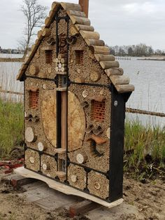 Bug Hotel, Mason Bees, Boho Diy, Edible Garden, Bunker, Birdhouse, Rustic Wood, Wood Projects, Bugs