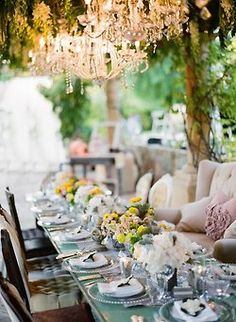 Glamorous al fresco dining Lustre Grande, Ojai Valley Inn And Spa, Pretty Things, Party Deco, Deco Boheme, Beautiful Table Settings, Al Fresco Dining, Deco Table, Plein Air