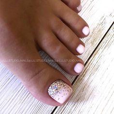 Glitter Toe Nails, Gel Toe Nails, Feet Nails, Pink Nails, Glitter Pedicure, Gel Toes, Toe Nail Art, Pedicure Designs, Pedicure Nail Art