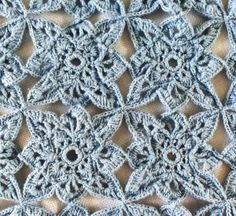 Blue Medallion Table Runner – Free Crochet Pattern