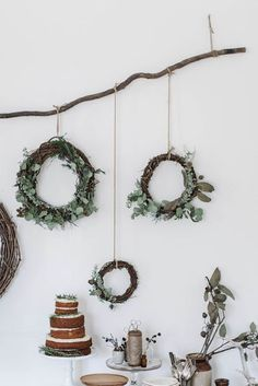 A little natural Christmas inspiration Natural Christmas, Noel Christmas, Modern Christmas, Rustic Christmas, Winter Christmas, All Things Christmas, Christmas Wreaths, Christmas Crafts, Christmas Decorations