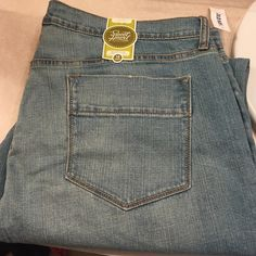 Sweetheart jeans from old navy! NWT Sweetheart Bootcut jeans from old navy! Classic rise, stretch Old Navy Jeans Boot Cut