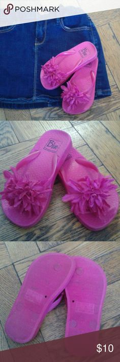 Pink flip flops Cute flip flops for girls used a couple of times but they look like new no flaws  Size 8-9 Blue Shoes Sandals & Flip Flops