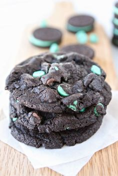 Chocolate Mint Oreo Cookies - from @Maria (Two Peas and Their Pod)