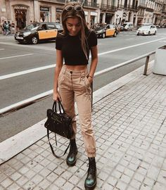 trendy outfits for summer \ trendy outfits ; trendy outfits for school ; trendy outfits for summer ; trendy outfits for women ; trendy outfits for fall ; Hogwarts Outfit, Cute Teen Outfits, Outfits For Teens, College Outfits, Office Outfits, Spring School Outfits, August Outfits, Winter Outfits 2019, Gym Outfits