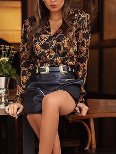 2019 Women Elegant Fashion Work Office Stylish Blouse Female Eye-Catching Top Chain Print V-Neck Casual Shirt Trend Fashion, Autumn Fashion, Fashion Outfits, Womens Fashion, Moda Outfits, Female Eyes, Blouse Vintage, Blouses For Women, Casual Shirts