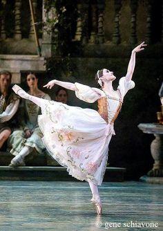 "<<Sarah Lane in ""Swan Lake"" (American Ballet Theatre) # Photo © Gene Schiavone>>"