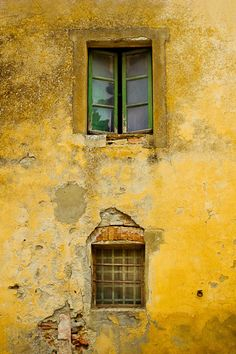 Upstairs downstairs | A little bit more Tuscan texture. Hmm.… | Flickr