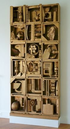 - Sculpture - Print the sulpture yourself - Louise Nevelson Royal Tide 1 Photo: courtesy Storm King Art Center. Louise Nevelson, Cardboard Sculpture, Cardboard Art, Abstract Sculpture, Sculpture Art, Sculpture Projects, Storm King Art Center, Found Object Art, Inspiration Art