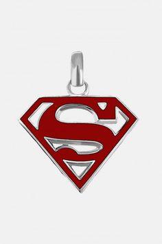 Dije de Superman en Color Rojo DC Comics. Si quieres ver mas accesorios de #DCcomics, checa nuestro link donde tenemos los mejores modelos listos para ti con envíos a todo #Mexico.