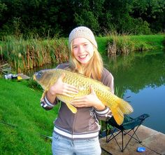 I took my friends daughter Megan fishing and helped her catch and land this 17lb beauty (Common Carp). Other fishermen were using conventional baits, with little success, but I hooked into this beauty within 5 minutes using curry powder coated spam.. #fishing
