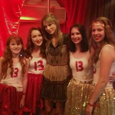 Poster and Costume inspiration Estilo Taylor Swift, Taylor Swift New, Taylor Swift Concert, Taylor Swift Style, Taylor Swift Pictures, Ethel Kennedy, Red Tour, Role Models, American Girl