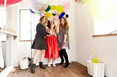 thefestiveco: event styling featuring our jumbo confetti filled & mini confetti filled balloons