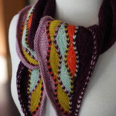 Ravelry: Waverleaf pattern by Faye Kennington