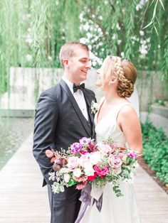 Isn't this romantic?!   Fine Art Wedding Inspo at the Nasher Sculpture Center in Dallas, Texas.  See the full gallery at www.beccamercer.com!  #weddinginspo #2019weddings #gardenwedding #tablescape #placesetting #floral #fineartwedding #fineartfloral #silkribbon #bouquetribbon #floraldetails #bridesofnorthtx #fineartdetails #weddingdesign #floraldesign #bluewedding #weddingdetails