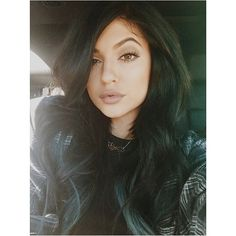 Kylizzle @kyliejenner love her make up