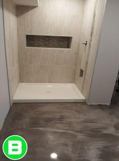 Plancher de salle de bain en béton #epoxy #deco #tendance #bellesalledebain #salle de bain #planchermétallique