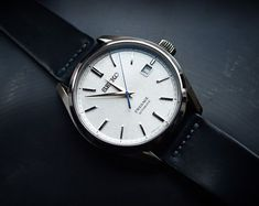 [Seiko Looking surprisingly good on a calfskin strap - Watches Best Watches For Men, Luxury Watches For Men, Cool Watches, Citizen Watch, Gifts For Boss, Rose Gold Watches, Seiko Watches, Casual Watches, Pocket Watches
