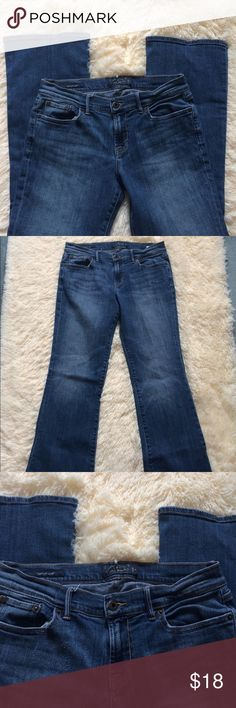 """Lucky Brand Sweet'N Low Jeans Excellent condition!!!  Size 6/28 regular/average Inseam is 30"""" Rise is 9"""" Lucky Brand Jeans"""