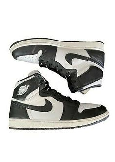 Air Jordan 1 Retro High OG Black White 2014 Size in Clothing, Shoes & Accessories, Men, Men's Shoes, Athletic Shoes Air Jordan 9, Black Grapes, Authentic Jordans, Jordan 1 Retro High, Men's Shoes, Athletic Shoes, Nike Air, Sneakers Nike, Black And White
