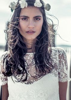 undone elegance | ... hair and makeup cues from Bridal Makeovers looks of undone elegance