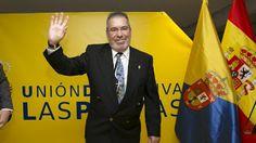 TIEMPO DE DEPORTE: Pacuco Rosales recibe la insignia de oro y brillan...