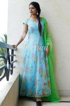 Beautiful ice blue color kota dress with green color net dupatta. Floor length anarkali dress with floral print. Long Gown Dress, Lehnga Dress, Frock Dress, Organza Dress, Long Frock, Long Dress Design, Dress Neck Designs, Fancy Blouse Designs, Designer Anarkali Dresses