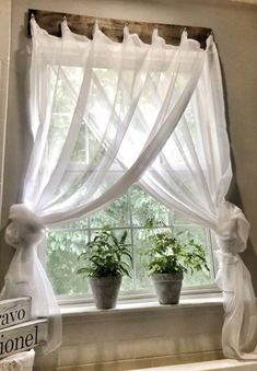 Farmhouse Window Treatment that I may use as inspiration with weathered wood and turquoise sheers for my coastal decor. Home decor Simple Farmhouse Window Treatments Farmhouse Windows, Country Farmhouse Decor, Farmhouse Style, Farmhouse Curtains, Farmhouse Ideas, Kitchen Country, Rustic Curtains, Kitchen Windows, Kitchen White