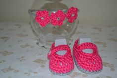Booties and matching headband by BellasBabyTreasures on Etsy