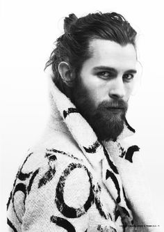 This is a guide on the man bun. The man bun is a long mens hairstyle, and it is basically tying your hair into a bun or half bun, whether you choose to tie all of your hair or just a section of your h Hair And Beard Styles, Long Hair Styles, Look Man, Beard Love, Man Beard, Sexy Beard, Full Beard, Beard Tattoo, Man Bun