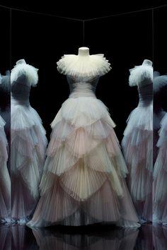 Christian Dior, Designer of Dreams - The Neo-Trad