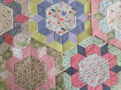 Lucy Kingwell's Smitten Quilt by Archibeth