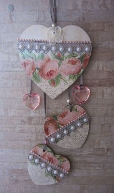 - Easy Crafts for All Shabby Chic Crafts, Rustic Crafts, Vintage Crafts, Diy Arts And Crafts, Diy Craft Projects, Crafts To Sell, Cheap Christmas Ornaments, Easy Valentine Crafts, Decoupage Art