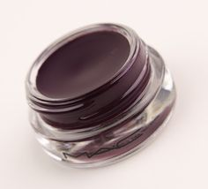 Mac eye pots plum eyeshadow in Hyperviolet