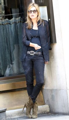 Kate Moss wearing Siwy Hannah Crop Skinny jeans in It's Magic. Moss Fashion, Star Fashion, Daily Fashion, Women's Fashion, Die Queen, Queen Kate, Pretty Outfits, Cool Outfits, Amazing Outfits
