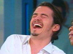 Orlando Bloom: k this is adorable...love it when people laugh like this:)