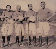 In 1881 in the USA and in 1883 in England, the size of the team was reduced to four, the present number. A Team, England, Polo, Number, Usa, History, Argentina, Polos, Historia